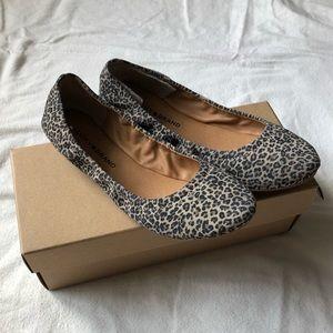 LUCKY BRAND leopard flats!